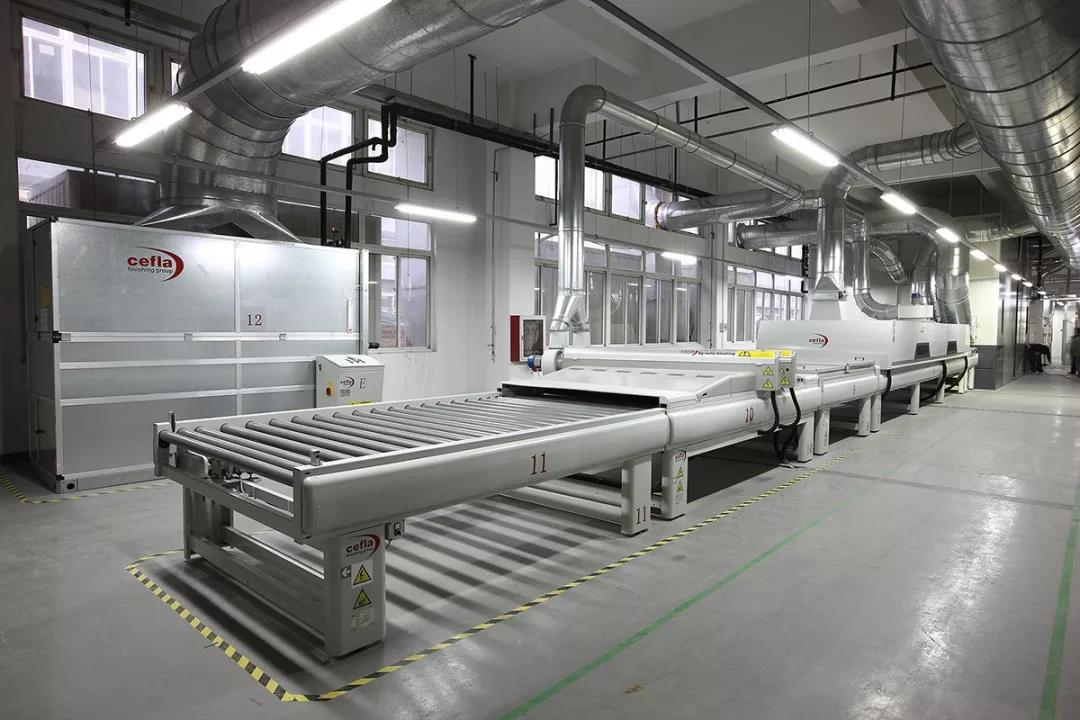 震旦木厂:意大利进口全水性UV涂装线