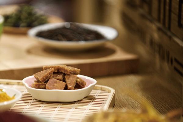 富自山中—自种手作的阿里山甘蔗纯黑糖