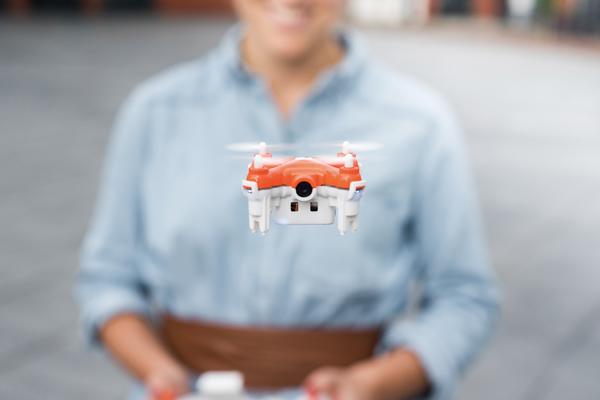 TRNDlabs推出具有自拍功能的迷你型家用无人机SKEYE+Nano+2+FPV+Drone