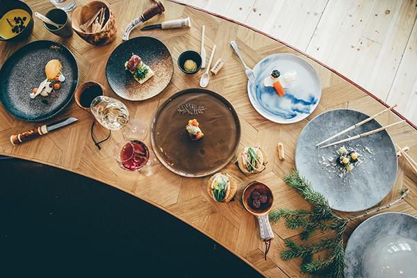 ▲身处独特体验的饭店,餐饮的细致度仍没有马虎。Photo Asaf Kliger