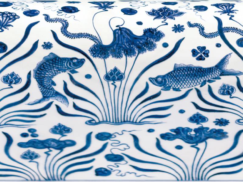 明宣德.青花鱼藻纹样稿 宣德青花鱼藻纹,包含鱼儿,莲丛,水草及藻类, 以平均,对称,穿插的原则布局。(图一)