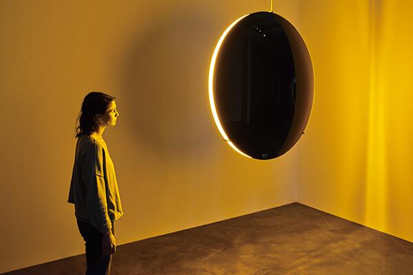 开幕首展,便锁定主题展现空间与光影的对比。